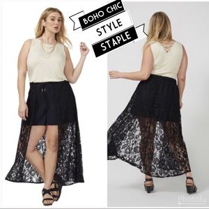 Pants - 🖤PLUS Black Shorts w Maxi Lace Overlay 14 NWOT🖤